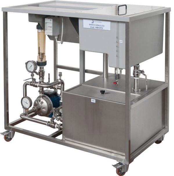 Banco idraulico con vasche in materiale plastico
